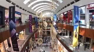 Самый большой новогодний шар в мире в торговом центре Дубай Молл