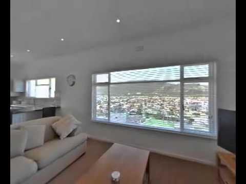3 Bedroom House In Fish Hoek - Property Peninsula (False Bay) - Ref: S582067