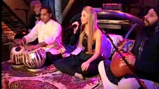 SHAKIRA - GYPSY 2=DESI SEXY HOT TABLA [ BOLLYWOOD STYLE] (Live Video-Alexa Chung)