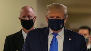 video: Donald Trump wears a face mask in public for the first time