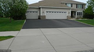 6487 Hedgecroft Avenue S, Cottage Grove, MN Presented by Gwen Lysne.