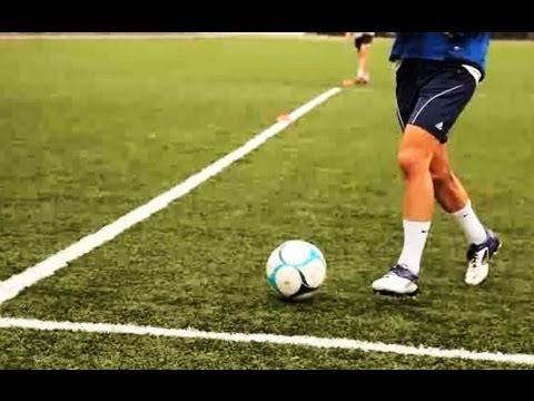 How to Short Pass & Push Pass | Soccer Lessons
