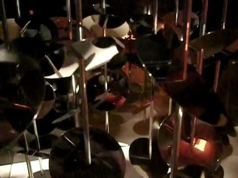 Trippy Movement (Beaubourg, Centre Pompidou, Paris FRANCE)