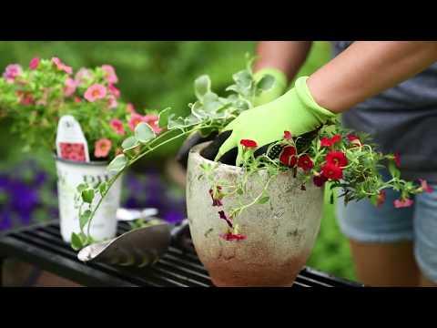 Outdoor Metal Garden Furniture Makeover DIY + Fresh Flowers