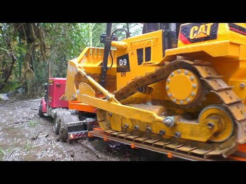 HEAVY CONSTRUCTION l STRONG RC MACHINES WORKING AT THE MUD l STRONG RC D9 !
