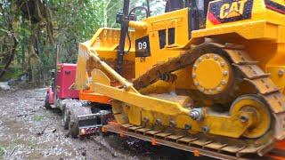 HEAVY RC CONSTRUCTION ! STRONG RC MACHINES WORKING AT THE MUD