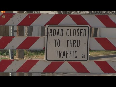 Roswell residents express concern, frustration over closed road
