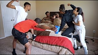 CAUGHT IN BED PRANK ON NIQUE AND TRAY!!! FT IAM JUST AIRI thumbnail