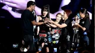130323 2NE1 Twin Towers Alive 2013 Park Bom Surprise Birthday Wish #TTAlive
