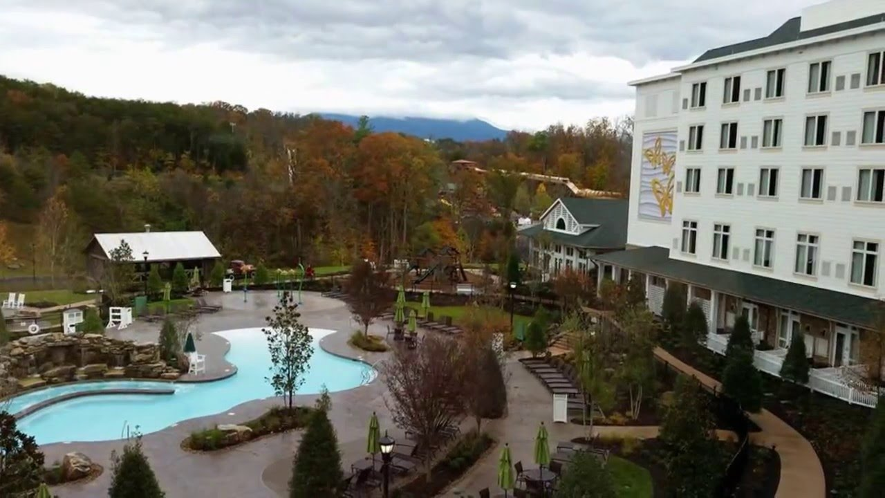 dollywood 39 s dreammore resort hotel tour video youtube. Black Bedroom Furniture Sets. Home Design Ideas