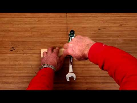 how to remove tight stuck screws d i y at bunnings youtube. Black Bedroom Furniture Sets. Home Design Ideas
