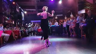 Hermoso tango show de Polonia, Patricia Cisowska, Jakub Grzybek milonga A La Parrilla, Buenos Aires