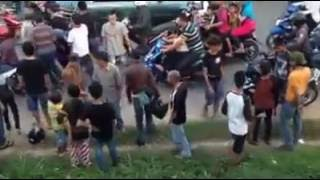 Video Lakalantas ,batam center,[ korban kecelakaan tadi siang]  by, bazlius fery download MP3, 3GP, MP4, WEBM, AVI, FLV Desember 2017