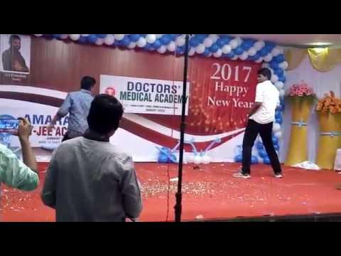 Maari theme song by our dancing legend Direesh