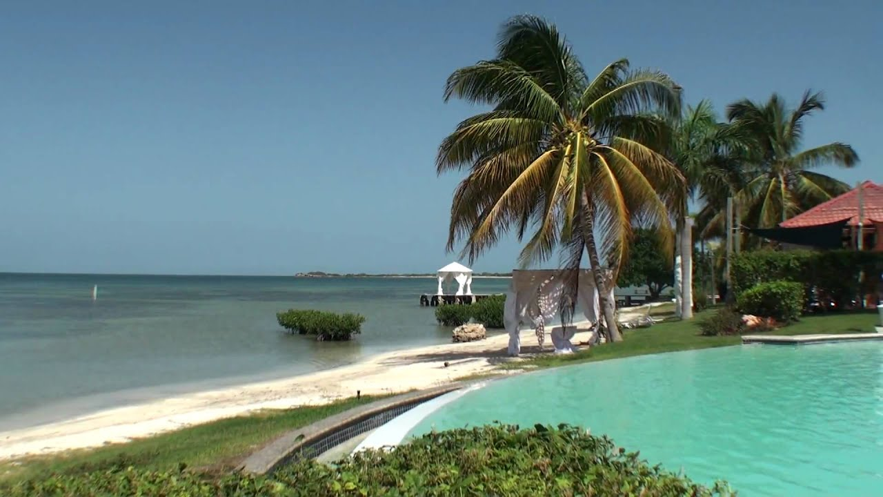 Relaxing afternoon bahia salinas cabo rojo youtube for Villas koralina cabo rojo