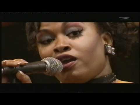 Chaka Khan  I´m Every Woman part 1,  In Pori Jazz 2002 11