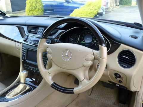 Mercedes-Benz CLS500 (2005) - pictures, information & specs
