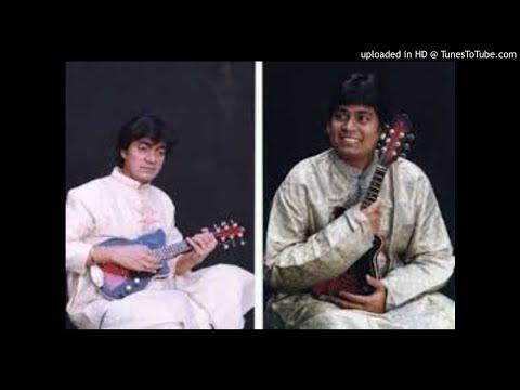 U Srinivas- U Rajesh-Chakkani Rajamargamu-Kharaharapriya-Adi-Thyagaraja-Mandolin