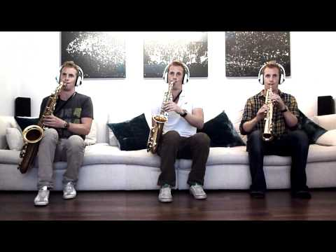 Super Mario Bros Saxophone Trio - Split Screen