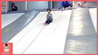 초대형 풍선 미끄럼틀 타러 꾸러기 유니 미니 놀이공원 가다 ♡ 키즈카페 놀이동산 놀이공원 이천 플레이즈 스파이더맨 놀이 Kids Play | 말이야와아이들 MariAndKids