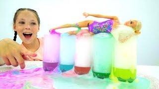 Видео для детей: Как сделать пену? - Куклы Барби и пенная вечеринка - Идеи своими руками