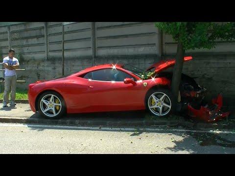 Ferrari 458 Italia Crash Into A Tree Youtube