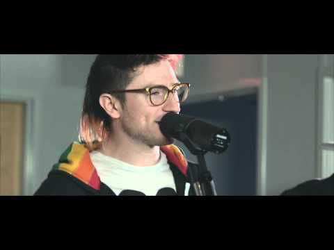Walk The Moon - Different Colors - Studio Z