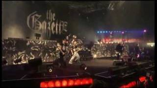 The GazettE - Part 13 - Nameless Liberty Six Guns Live