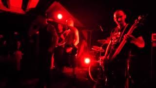 Born To Burn   Seven live a La Belle Rouge Tours  24 04 2015(Merci à Cyrille Gendron pour cette vidéo., 2015-05-31T08:57:49.000Z)