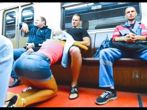 Metroda Sakso Şakası (Blowjob prank in public)