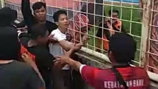 Download Video LAGI SWEEPING MALAH TERCIDUK SUPPORTER PERSIJA MP3 3GP MP4