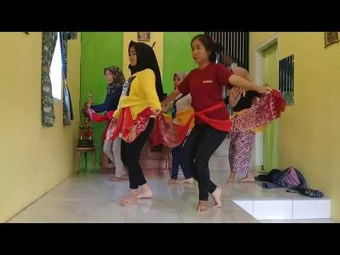 Proses Latihan Tari Merak Upacara Adat Sunda Mapag Panganten by Mustika Pasundan 3