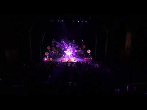 """Allen Stone """"Unaware"""" live in LA"""