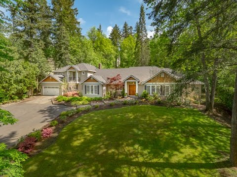 Dunthorpe Luxury Homes - 13215 Iron Mountain Blvd Portland OR 97219 - SOLD