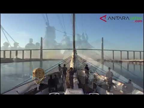 Judul KRI Bima Suci Lewati Terusan Suez