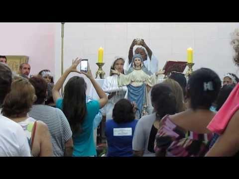 Coroação de Nossa Senhora Medianeira .