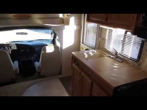 2004 Winnebago Minnie 31C Class C , Only 11,000 Actual Miles, Slide, Satellite , $37,900