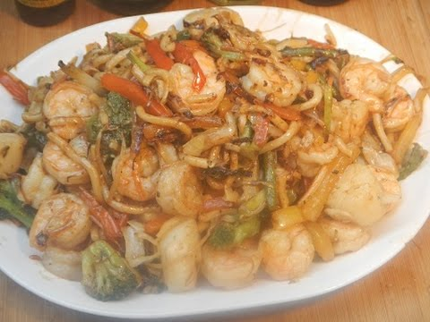 Shrimp and Scallop Stir Fry on the Weber BBQ Wok!