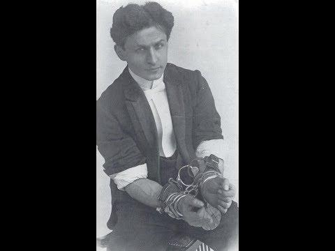 Harry Houdini, 52 (1874-1926) Austro-Hungarian-born AmericanMagician