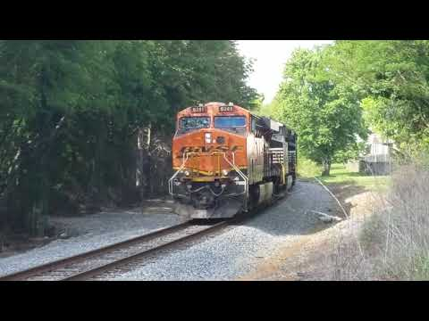 BNSF 6241 waiting on a green signal in Cleveland Tennessee