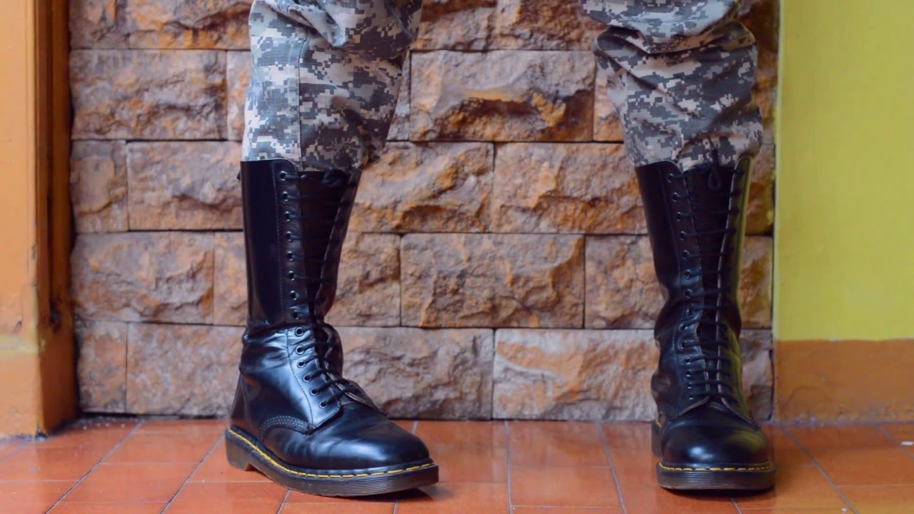 2f6e4aaa76 Dr Martens boots 14eyes (1914) with Digital Camou Pants - YouTube