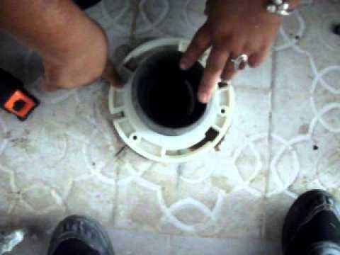 como instalar un inodoro corrigiendo desfasamiento 1 4