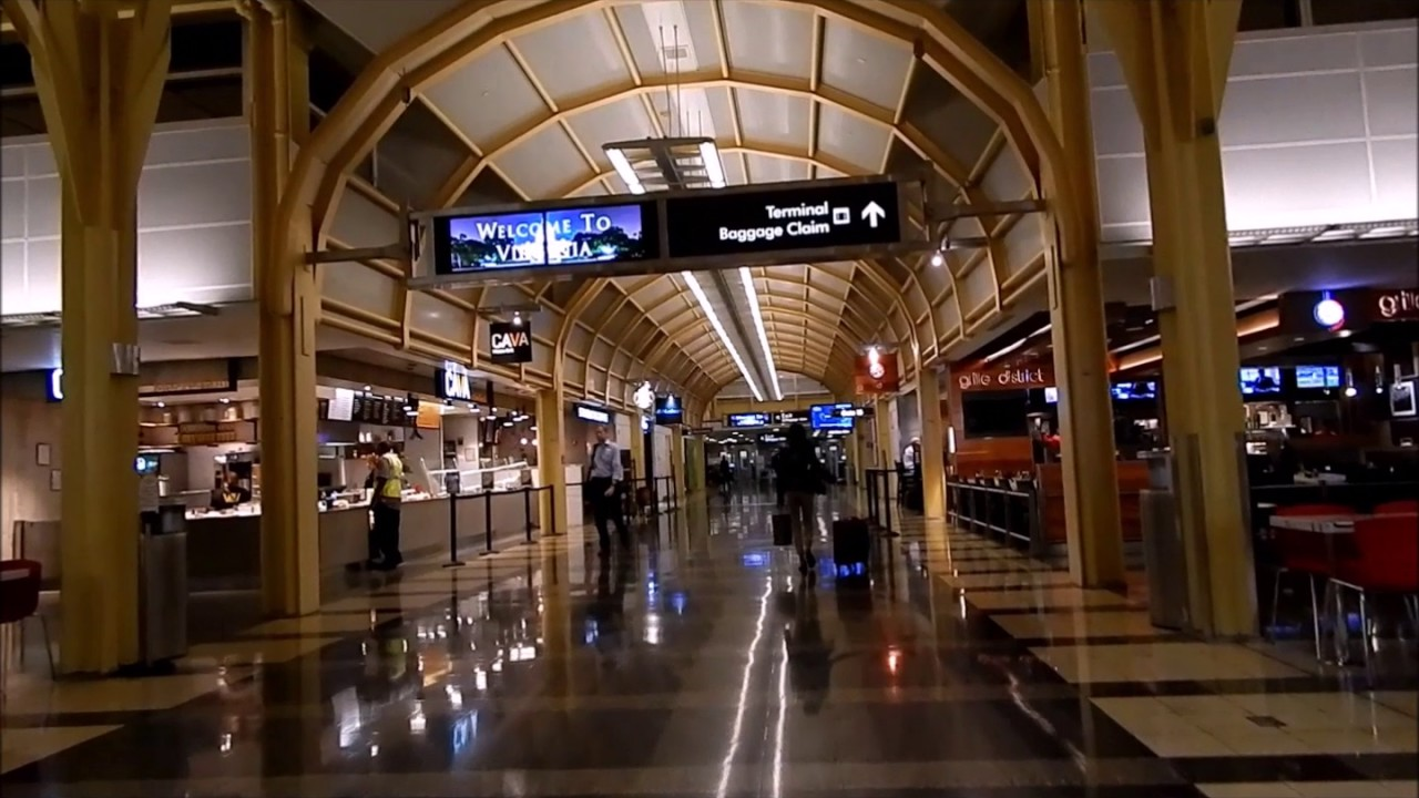Ronald Reagan Washington National Airport Terminal - YouTube