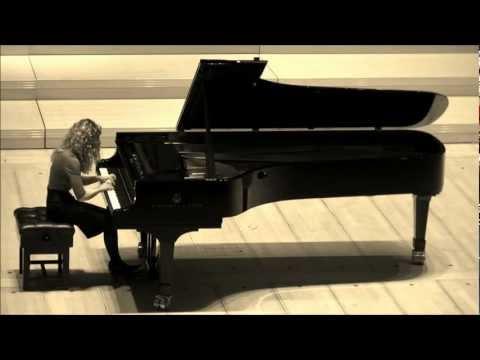 Scarlatti Sonata in d minor K.141 performed by Veronika Shoot