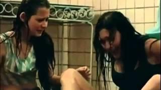 Download Video perempuan liar basah basahan di toilet adegan panas bioskop indonesia mp4 MP3 3GP MP4