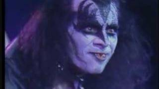 GENE SIMMONS BASS SOLO SHOW