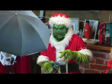 Billings Bridge Plaza Ottawa Santa Clause and the Grinch December 24, 2018