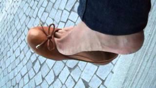 Shoeplay dangling with brown ballerinas ballet flats
