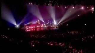 Gambar cover The Corrs- Live in London/ Wembley 2000- Queen Of Hollywood