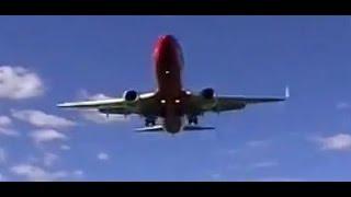 Plane Landing in Dunedin from end of runway